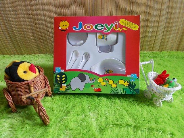 TERMURAH gift set bayi kado bayi peralatan makan bayi Joeyi putih 30rb terdiri dari mangkok,sendok,garpu,dan gelas cangkir