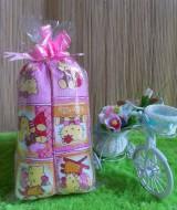 TERMURAH paket kado bayi bantal guling hello kitty pink Rp 30.000 terdiri dari satu bantal dan dua guling hello kitty
