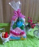 TERMURAH paket kado bayi pinky gendongan series-02 Rp 60.000 terdiri dari gendongan depan,bedak,turban bunga,dan topi rajut cantik cocok untuk kado