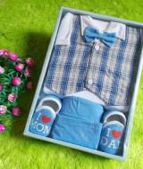 gift-set-paket-kado-bayi-biru-70-terdiri-dari-baju-rompi-kotak-kotaksepatudan-celana-cocok-untuk-kado
