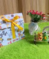 kemasan kado, bungkus kado,gift bag PITA mickey mouse biru 10rb bahan tebal dan kaku jadi bisa digunakan berulang kali cocok banget untuk bungkus kado ukuran 20x10x20 cm
