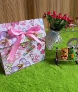 kemasan kado, bungkus kado,gift bag PITA minnie mouse 10rb bahan tebal dan kaku jadi bisa digunakan berulang kali cocok banget untuk bungkus kado ukuran 20x10x20 cm