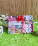 paket kado bayi gift set SERBA PINK HEMAT BANGET Rp 42.000 terdiri dari baju,celana,set topi dan sepatu bayi,dan washlap - hemat banget untuk kado bayi