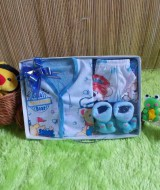 paket kado bayi newborn gift set SERBA BIRU HEMAT BANGET Rp 42.000 terdiri dari baju,celana,kaos kaki boneka,dan slaber - hemat banget untuk kado bayi