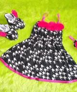 baju pesta bayi set dress bayi,sepatu boots prewalker,bandana cantik hits kekinian bunga pink Rp 110.000 muat untuk bayi 0-12 bulan bahan katun