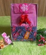 paket kado bayi DENIM PINK 55 terdiri dari baju atasan pendek minnie mouse,rok,dan bandana pink cantik muat untuk 0-12bulan