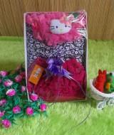 paket kado ruffle pink Rp 52.000 terdiri dari baju atasan bunga,rok ruffle imut,dan bando hello kitty cantik imut cocok untuk 0-12 bulan