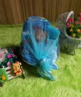 PAKET HEMAT kado bayi keranjang biru 59 terdiri dari bedak,sabun mandi,handuk,topi dan sepatu rajut,boneka,baju newborn