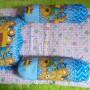set kasur bayi lapis perlak beruang sepeda biru Rp 67.000 terdiri dari kasur bayi plus dua guling dan satu bantal,cocok untuk kado-lapisan belakang