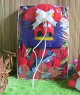 Paket Kado Bayi Baby Gift Merah BabyCape 59 terdiri dari Jaket Jubah Babycape, Topi Rajut bayi bahan lembut adem, cocok untuk kado