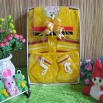 Paket Kado Bayi Baby Gift Rajut Kuning