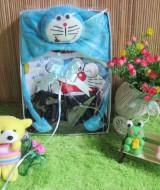 Paket kado bayi baby Gift Doraemon Navy 57 terdiri dari setelan kaos kutung doraemon plus Topi doraemon biru,muat utk 0-12bulan,cocok utk penggemar doraemon