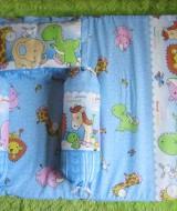 Set Kasur Bayi Jumbo Lapis Perlak Baby Zoo Biru 77 panjang 98cm lebar 62cm, terdiri dari kasur bayi plus dua guling dan bantal cocok untuk kado