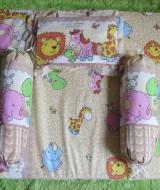 Set Kasur Bayi Jumbo Lapis Perlak Baby Zoo Kuning 77 panjang 98cm lebar 62cm, terdiri dari kasur bayi plus dua guling dan bantal cocok untuk kado
