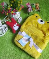 selimut carter double fleece bayi Line Bear Kuning 60 bahan tebal dan lembut banget dan ada tutup kepala, cocok juga untuk kado