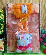 Paket Kado Bayi Baby Gift Dress Peach Hello Kitty Series 55 terdiri Dress pesta bayi 0-12bln,bandana hello kitty dan serta boneka hello kitty cantik