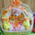 paket kado bayi baby gift – kado melahirkan- parcel kado lahiran bayi – keranjang lilit kelinci kuningistimewa komplit