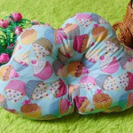 kado bayi bantal peang peyang bantal awan cloud pillow motif cupcakes
