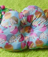 kado bayi bantal peang peyang bantal awan cloud pillow motif cupcakes