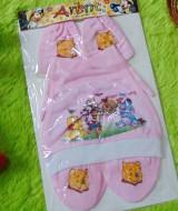 kado bayi set topi bayi newborn 0-6bulan plus sarung tangan kaki karakter winnie the pooh pink 25 bahan kaos lembut,sablon karakter lucu cocok untuk kado