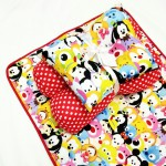 EKSKLUSIF Kado Bayi Baby Bedding Set 4in1 Matras Perlak Set Bantal Peang Plus 2 Guling motif Disney Tsum Tsum Merah