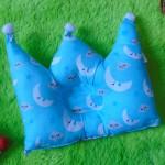 kado bayi Bantal mahkota crown pillow bantal peyang Peang bayi baby motif bulan biru 37