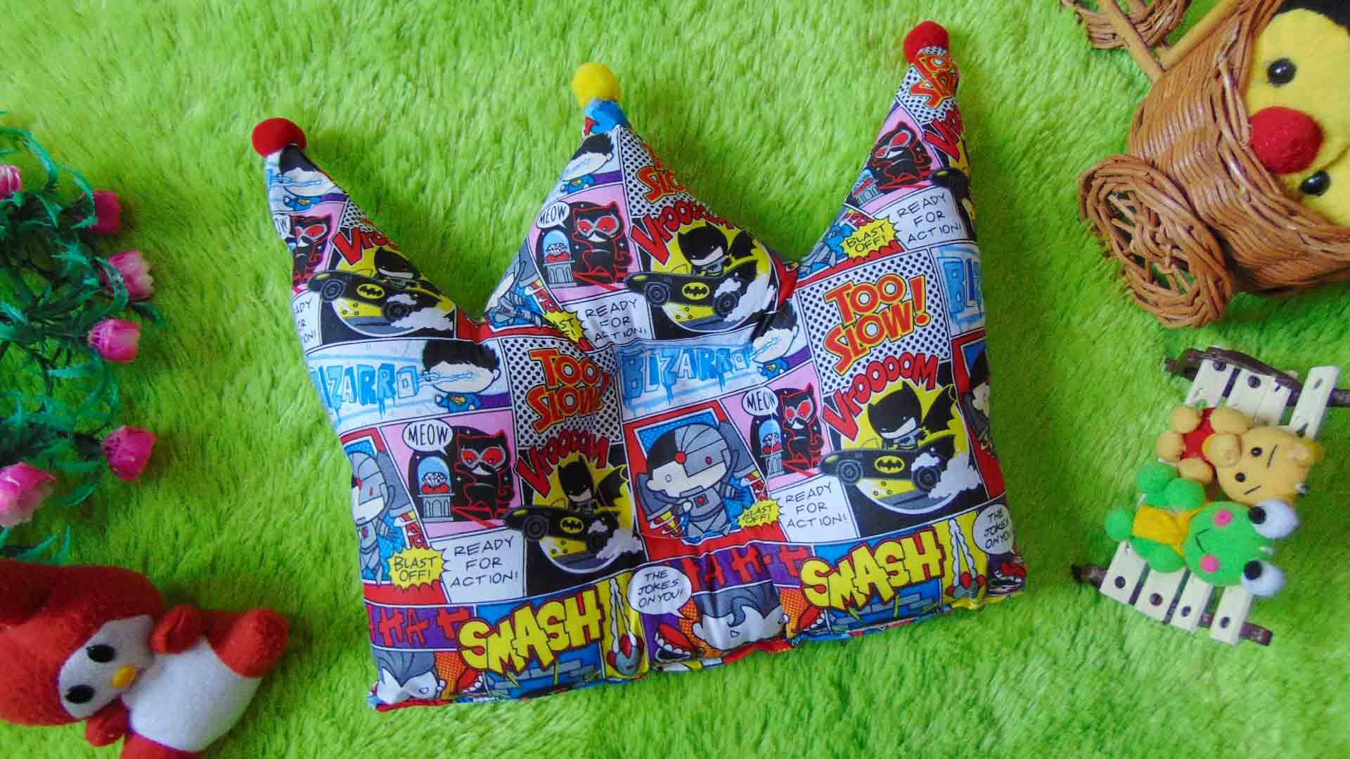kado bayi Bantal mahkota crown pillow bantal peyang Peang bayi baby motif komik batman 37