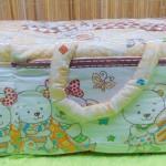Kado bayi tas perlengkapan bayi motif beruang cream selimut dengan wadah botol susu tahan panas dingin (1)
