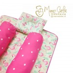 EKSKLUSIF Kado Bayi Baby Bedding Set 4in1 Matras Perlak Set Bantal Peang Plus 2 Guling motif Flamingo Pink