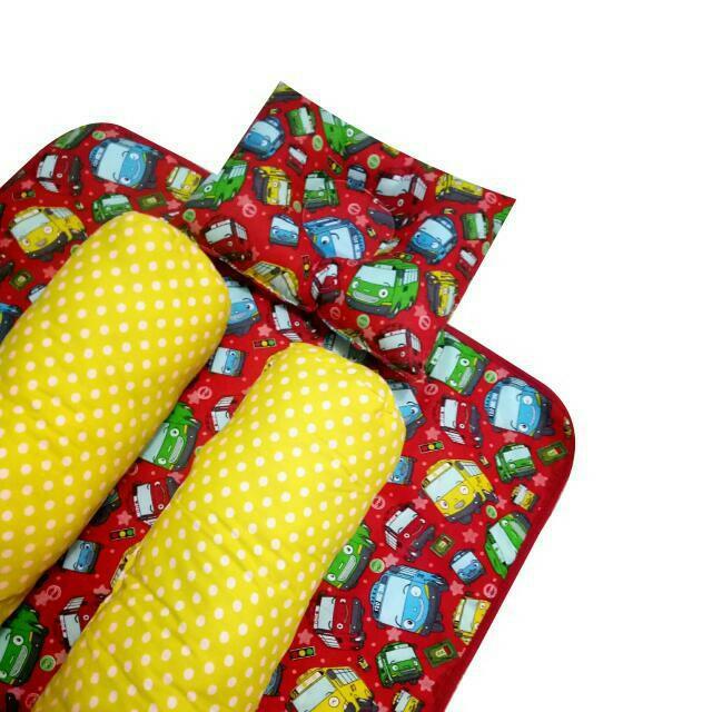 EKSKLUSIF Kado Bayi Baby Bedding Set 4in1 Matras Perlak Set Bantal Peang Plus 2 Guling motif Little Bus Tayo
