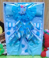 Kado Lahiran Box Paket Kado Bayi Perempuan Cewek Baby Gift Dress Biru Murah Meriah Cantik 52 terdiri Dress bayi 0-9bln,Bando hello kitty dan serta sarung tangan dan kaki bayi