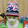 foto utama - kado bayi topi rajut lembut anak bayi 1-3th motif bintang hitam merah (2)