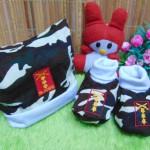 Kado bayi set topi dan sepatu bayi newborn army samurai cokelat
