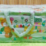 Kado bayi tas perlengkapan bayi motif beruang kotak hijau dengan wadah botol susu tahan panas dingin