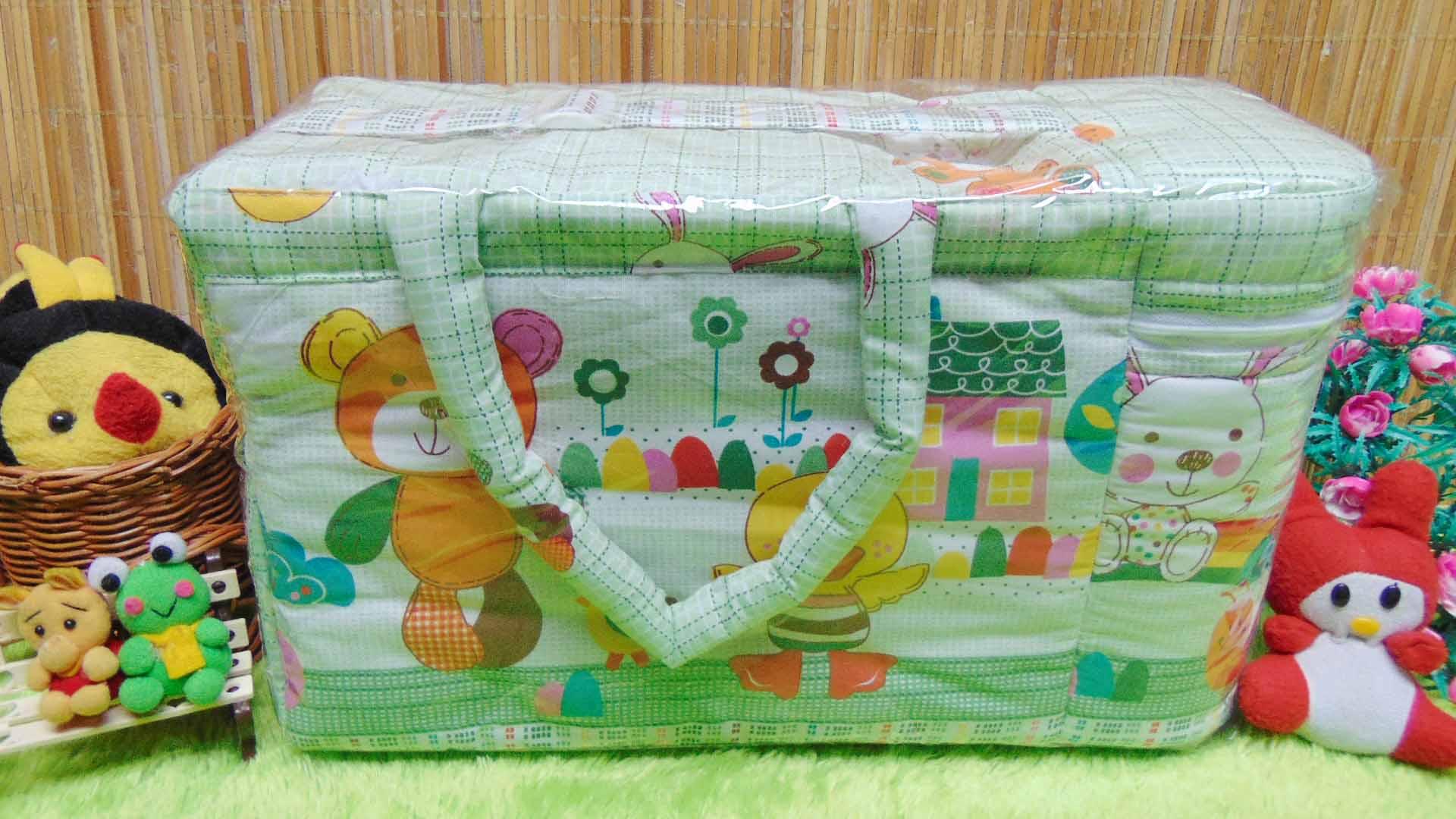 kado bayi tas perlengkapan bayi motif beruang kotak hijau dengan wadah botol susu tahan panas dingin 65 praktis dibawa, motif lucu, cocok untuk kado,dimensi 40x17x23cm
