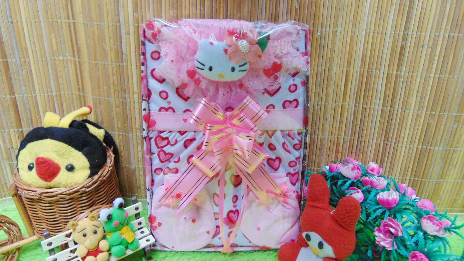 FREE KARTU UCAPAN Kado Lahiran Box Paket Kado Bayi Perempuan Cewek Baby Gift Dress Love Pink 60 terdiri Dress bayi 0-9bln,bando hello kitty,sarung tgn kaki bayi