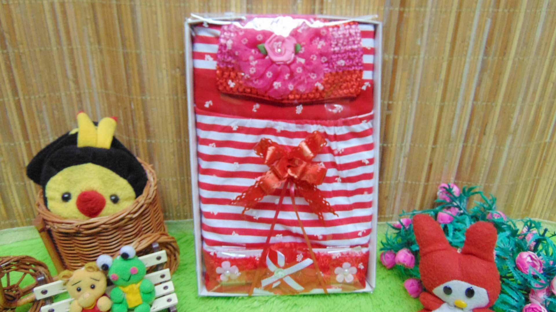 Kado Lahiran Box Paket Kado Bayi Perempuan Cewek Baby Gift Dress Merah Salur Cantik 55 terdiri Dress bayi 0-9bln,Bando,turban bayi