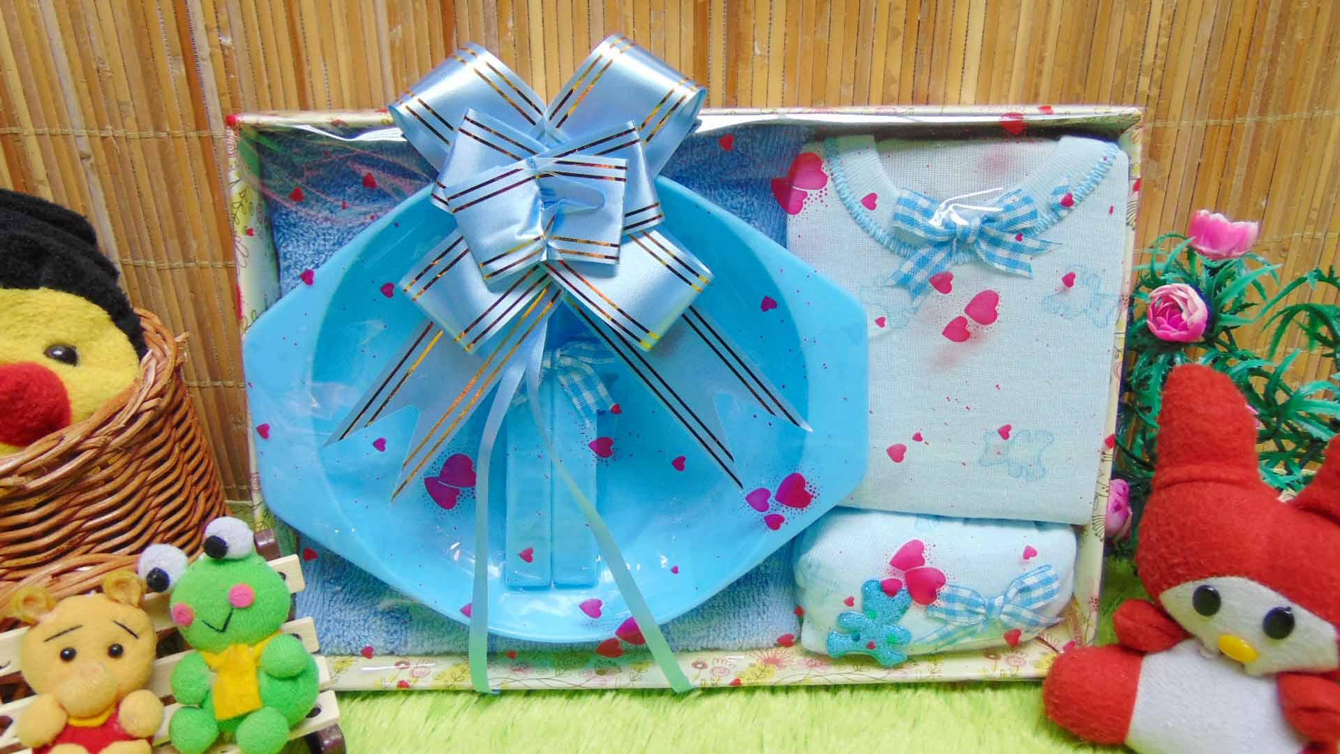 kado bayi baby gift box feeding set plus setelan kaos bayi biru