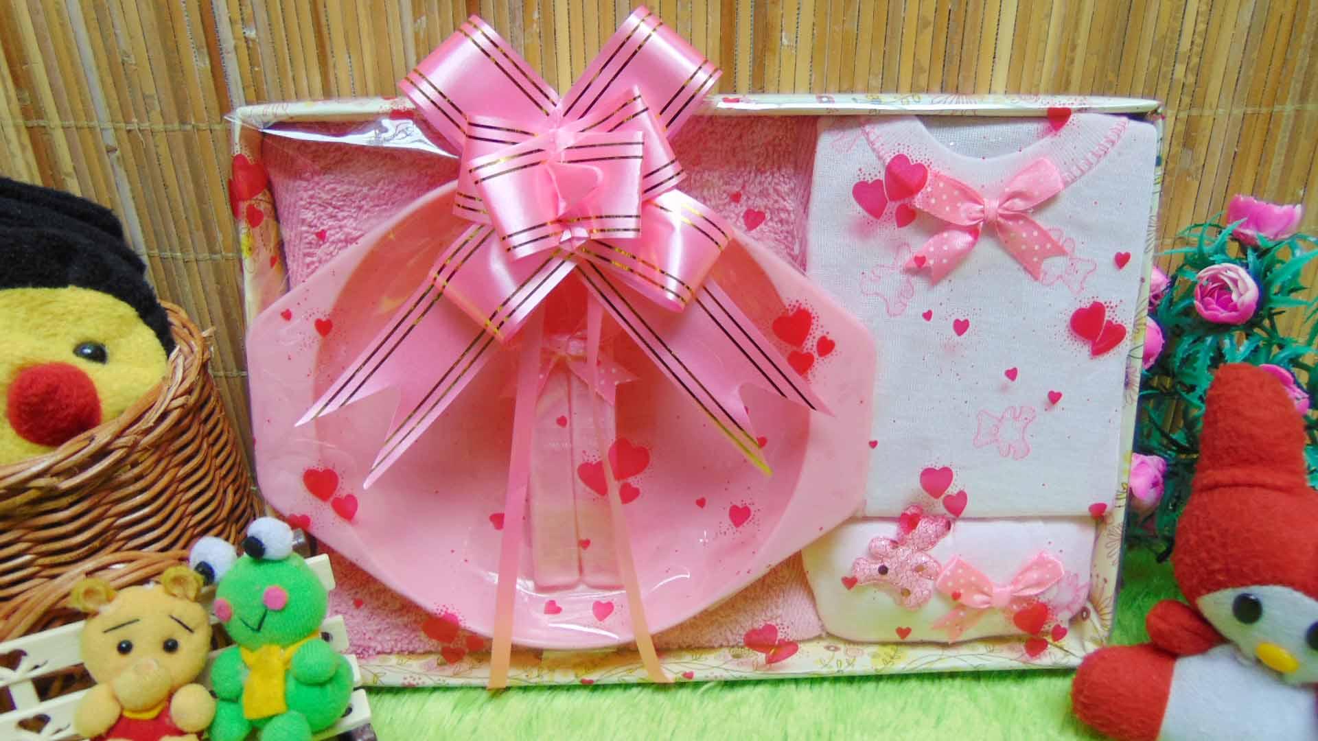 kado bayi baby gift box feeding set plus setelan kaos bayi pink