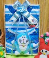 utama-FREE KARTU UCAPAN Kado Lahiran Paket Kado Bayi Baby Gift Box Doraemon Biru 2in1 49rb terdiri dari setelan kaos doraemon 0-12bln dan boneka doraemon lucu (1)