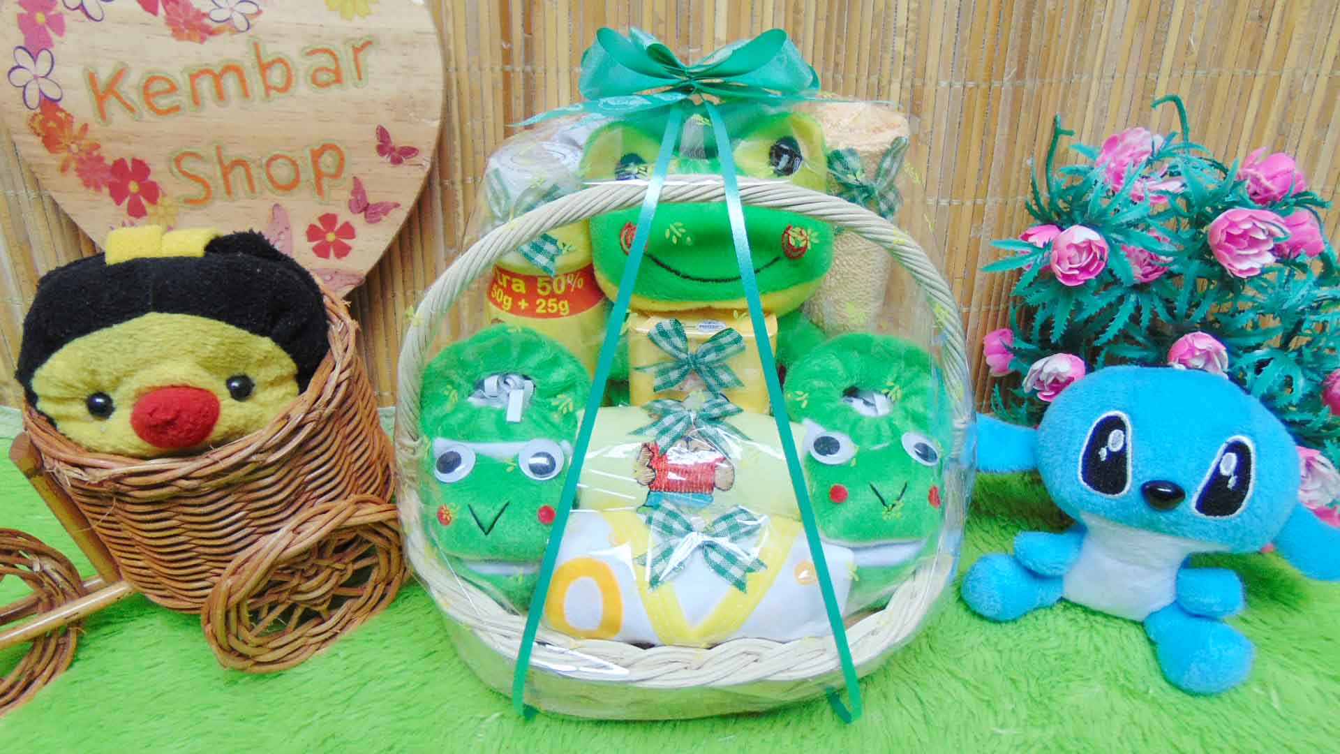 foto utama paket kado bayi baby gift kado melahirkan-parcel kado bayi parsel bayi keranjang spesial karakter Disney Komplit