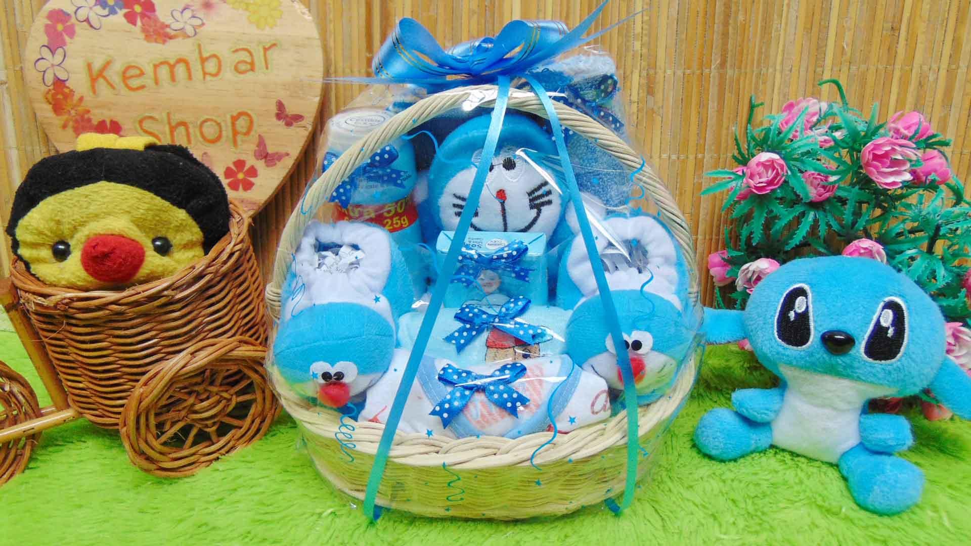 paket kado bayi baby gift kado melahirkan-parcel kado bayi parsel bayi keranjang spesial karakter Disney Komplit (2)