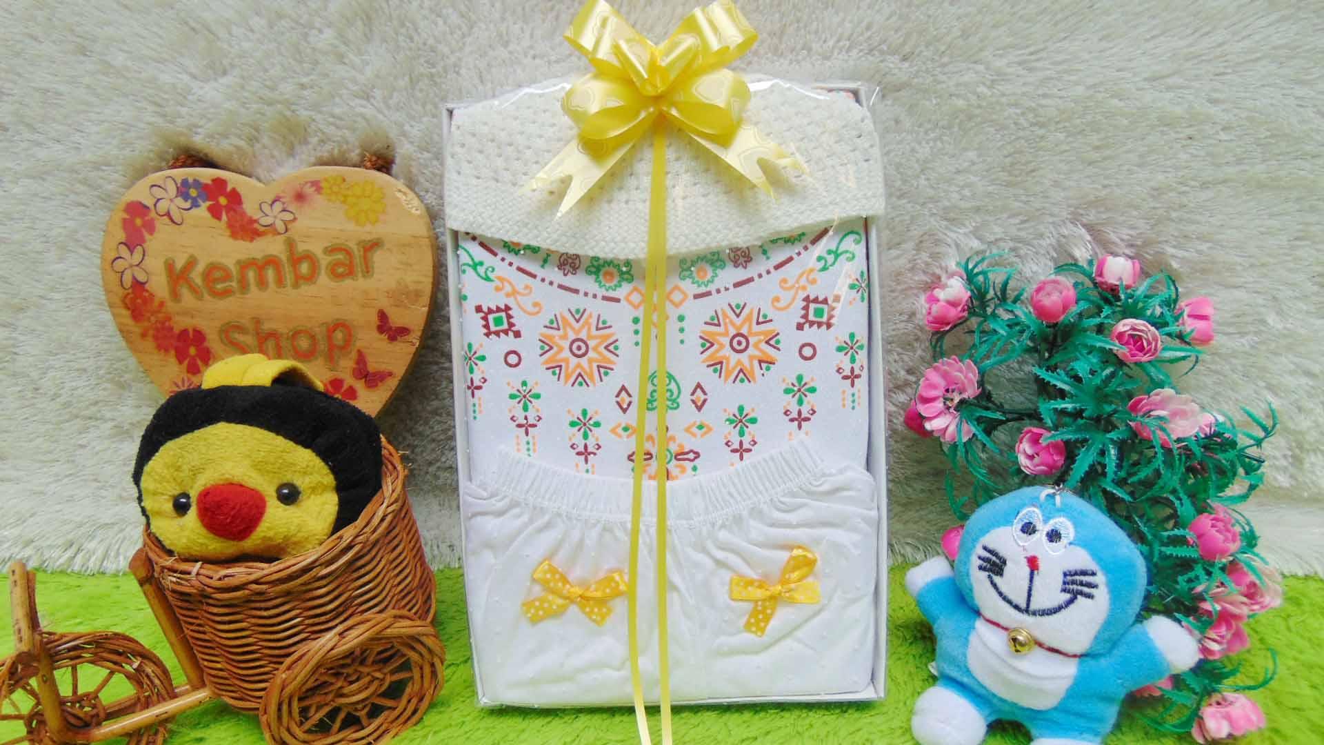 Paket kado bayi baby gift box newborn baju koko putih list PLUS PECI ANEKA WARNA (3)