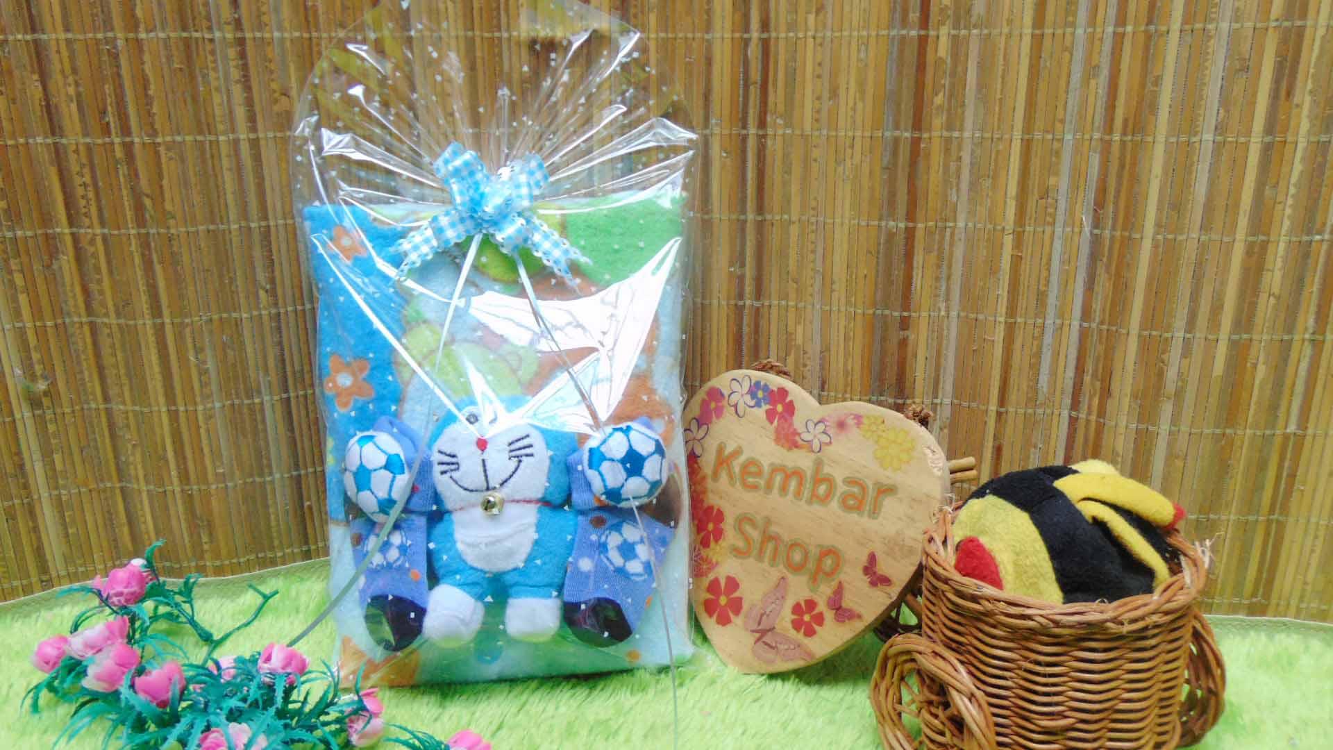 FREE KARTU UCAPAN hampers baby gift set paket kado lahiran souvenir bayi newborn HANDUK SOCK BONEKA biru