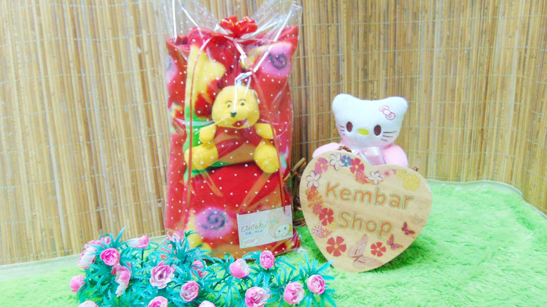 FREE KARTU UCAPAN kado bayi baby gift set selimut topi bayi bludru plus boneka (1)