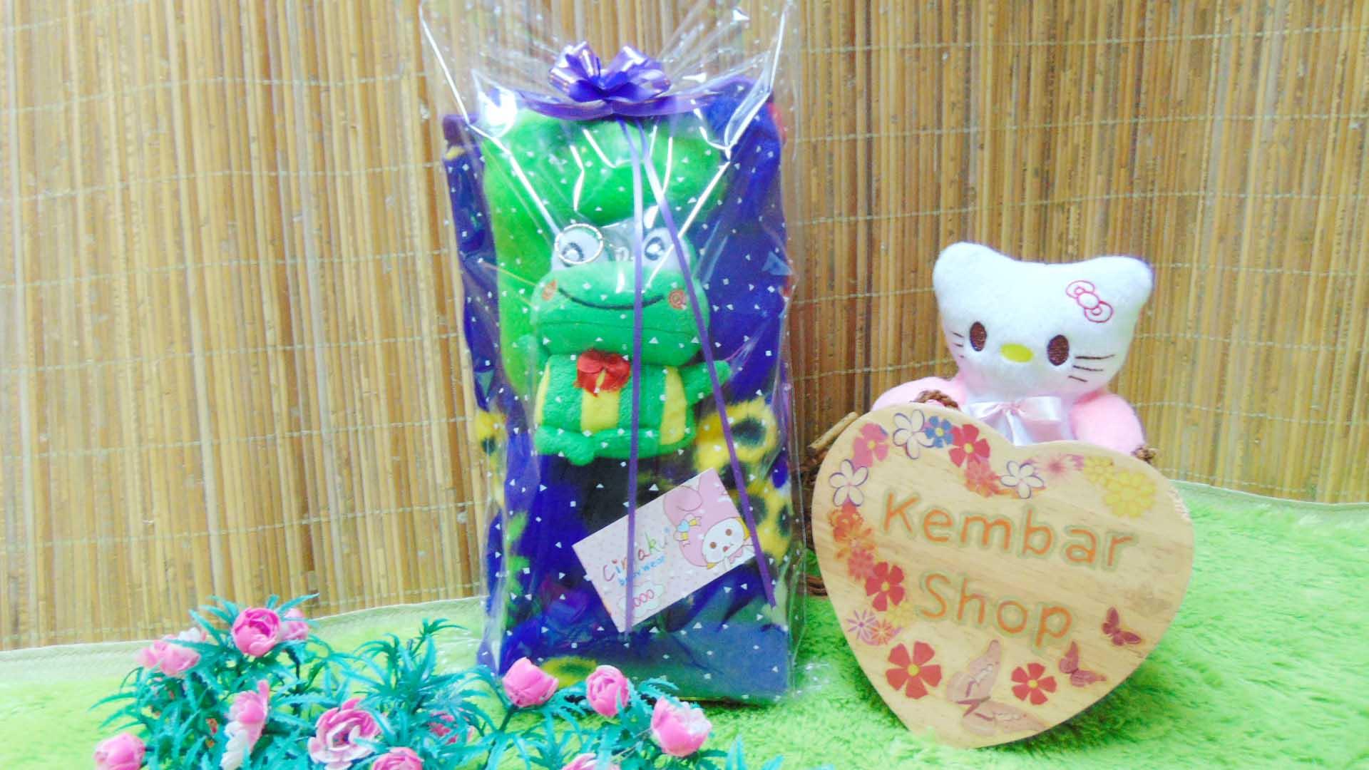 FREE KARTU UCAPAN kado bayi baby gift set selimut topi bayi bludru plus boneka (3)