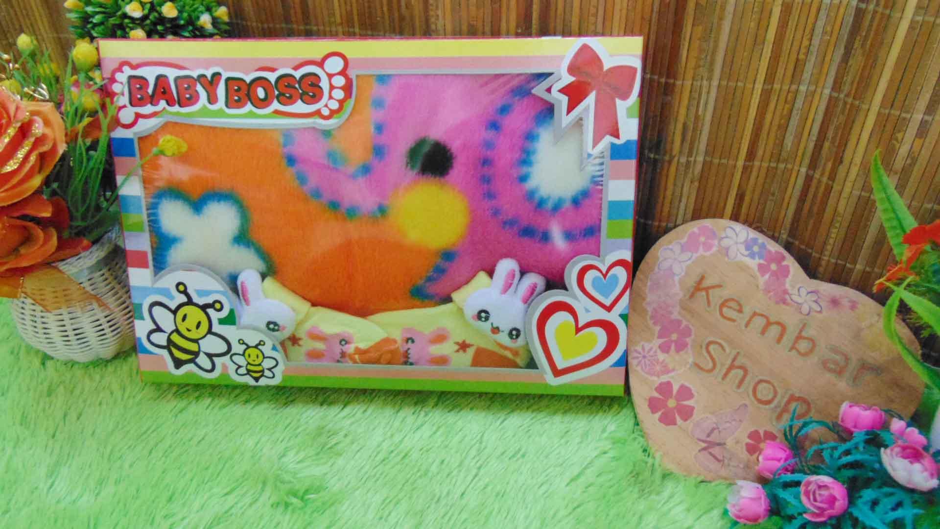 FREE KARTU UCAPAN Paket Kado Bayi Baru Lahir BabyBoss Selimut Bludru Kaos Kaki Boneka (1)