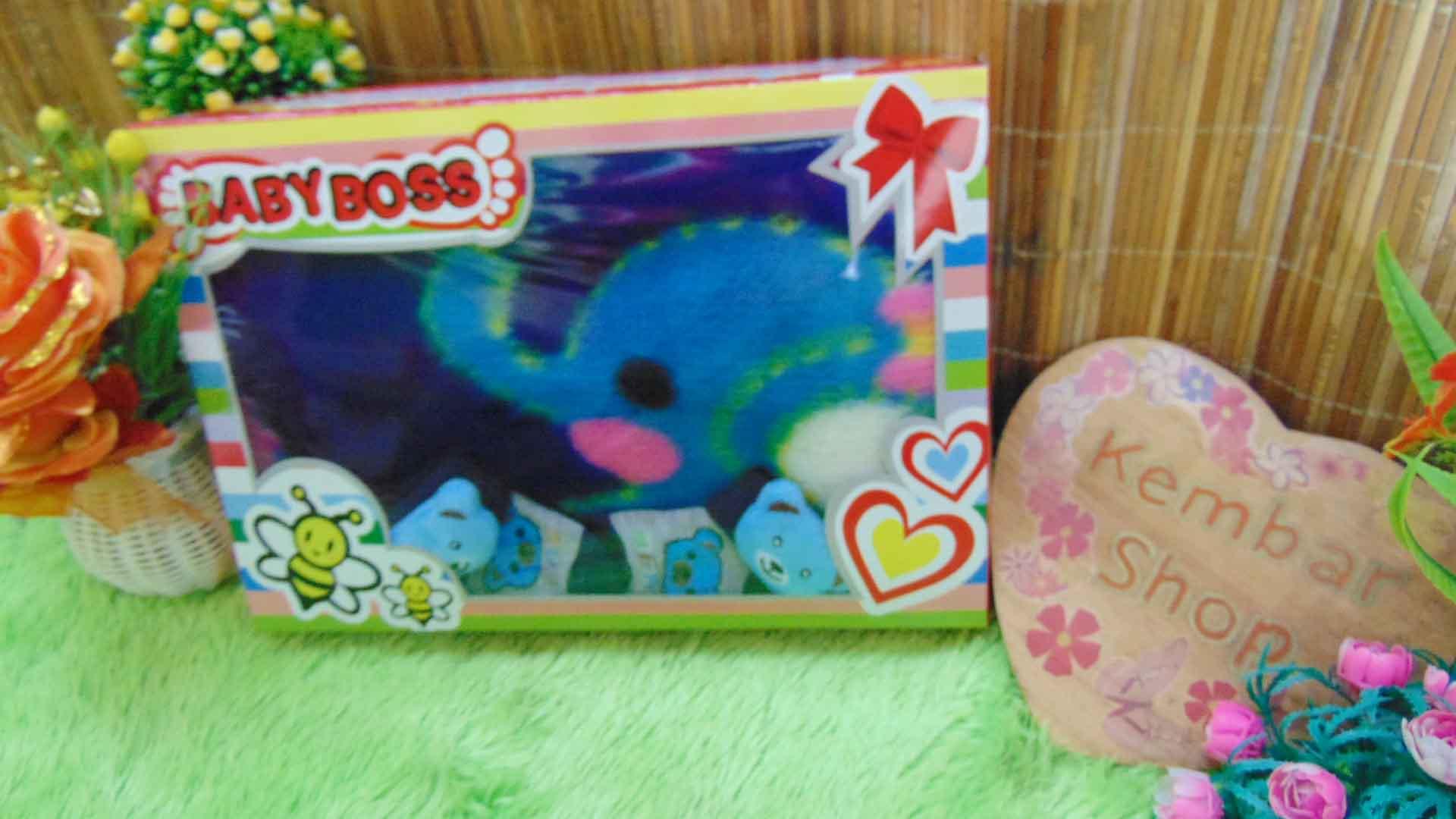 FREE KARTU UCAPAN Paket Kado Bayi Baru Lahir BabyBoss Selimut Bludru Kaos Kaki Boneka (3)