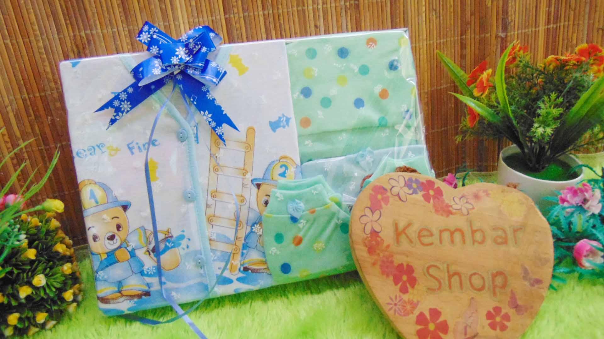FREE KARTU UCAPAN Paket Kado Bayi Hemat Topi Sepatu (1)