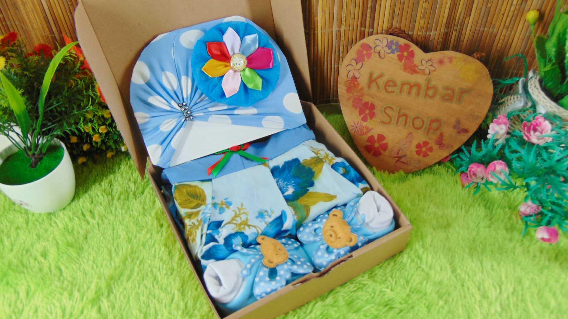 Hampers Cantik Baby Gift Kado Lahiran Bayi Perempuan Newborn Warna Random FREE UCAPAN (1)